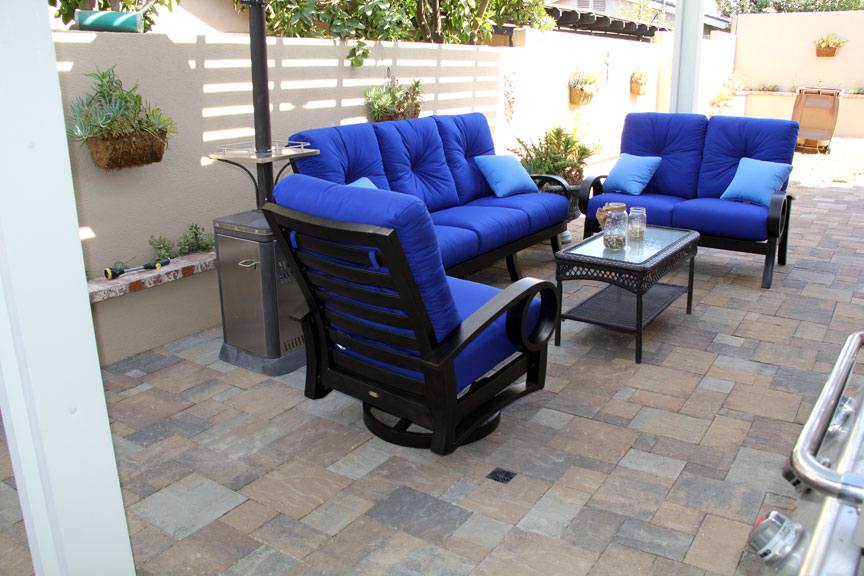 Backyard-Patio-Blue-Outdoor-Furniture-Orange-County.jpg